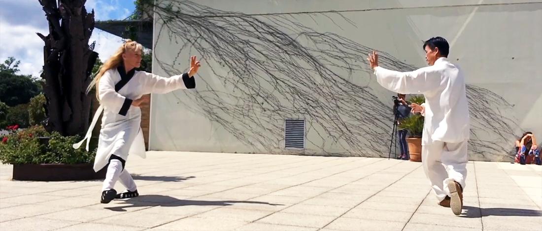 Démonstration de Bagua Zhang par Maître Zhang Kunlin et Catherine Bousquet