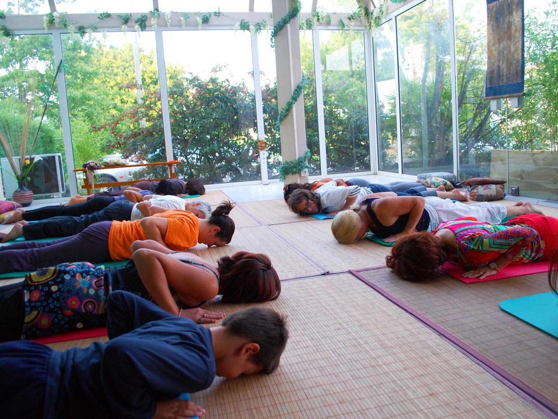 Cours de Yoga à Terre d'Asie en été